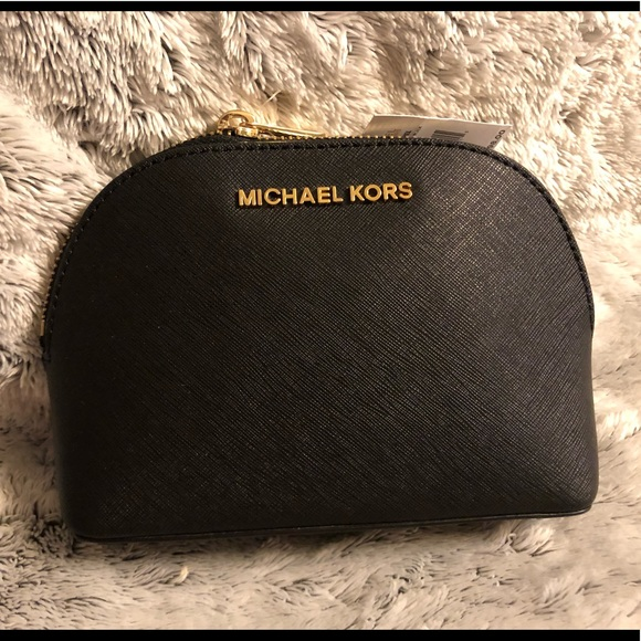 a727f7561102 NWT Michael Kors Jet Set travel makeup pouch.